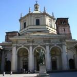 Foto della facciata della basilica oggi