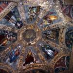 Affreschi manieristi di Carlo Urbino sul soffitto della cappella dell'altare